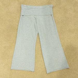 Express fold-over waist capris